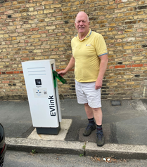 We urgently need more on street charging points